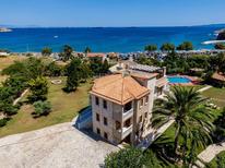Casa de vacaciones 1874568 para 9 adultos + 3 niños en Perani