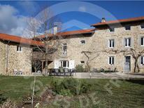 Vakantiehuis 1876534 voor 12 personen in Beauzac