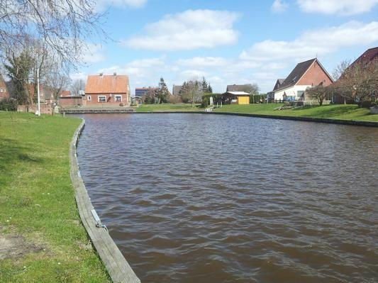 Haus am Wasser  in Ostfriesland