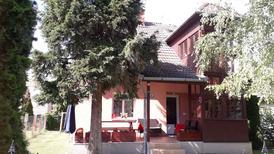 Semesterhus 1878768 för 9 personer i Balatonmariafürdö