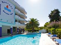 Holiday apartment 1880165 for 4 persons in Pineto