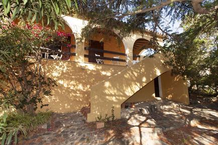 Gemütliches Ferienhaus : Region Torre delle Stelle für 8 Personen