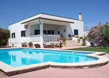 Casa de vacaciones 1889430 para 8 personas en Torchiarolo