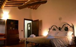 Room 1896198 for 3 persons in Ancaiano