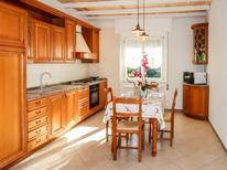 Appartement de vacances 1906345 pour 6 personnes , Cisano sul Neva