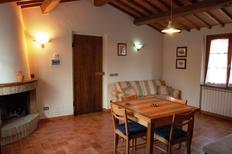 Appartement 1910394 voor 5 personen in San Martino