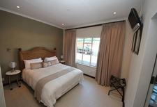 Room 1910979 for 3 persons in Germinston