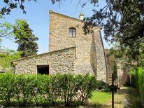 Vakantiehuis 1920049 voor 9 personen in San Donato