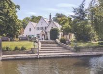 Vakantiehuis 1920549 voor 12 personen in Wraysbury