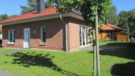 Rekreační dům 1930074 pro 4 dospělí + 1 dítě v Bodstedt