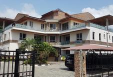Room 1939377 for 6 persons in Lagos
