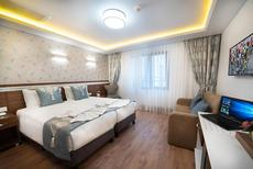Room 1939428 for 4 persons in Istanbul-Fatih
