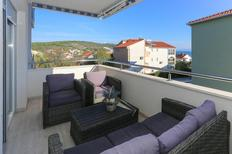 Holiday apartment 1939460 for 6 persons in Okrug Gornji