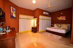 Room 1948816 for 3 persons in Kalpetta