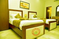 Room 1964990 for 3 persons in Islamabad