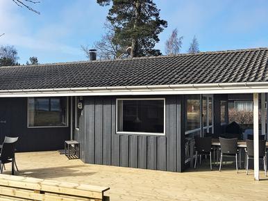 Gemütliches Ferienhaus : Region Bornholm für 8 Personen