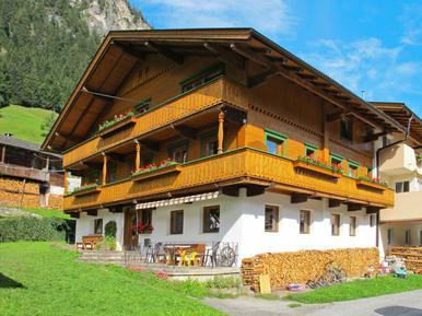 Gemütliches Ferienhaus : Region Mayrhofen für 14 Personen