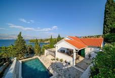 Vakantiehuis 2108300 voor 8 personen in Splitska