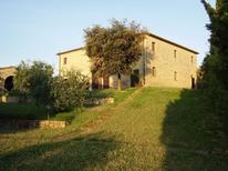 Villa 2110988 per 20 persone in Chianni