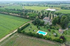 Vakantiehuis 2119299 voor 10 personen in San Giustino