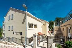Apartamento 2130141 para 2 adultos + 2 niños en Cavtat