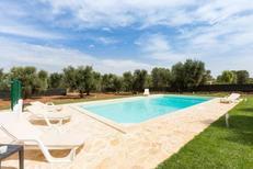 Vakantiehuis 2142948 voor 8 personen in San Michele Salentino