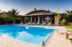 Vakantiehuis 2143397 voor 9 personen in San Costanzo