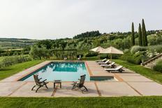 Vakantiehuis 2148246 voor 13 personen in San Casciano dei Bagni