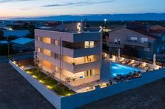 Apartamento 2151501 para 3 adultos + 1 niño en Zadar