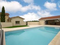 Villa 2155167 per 6 persone in Chalain-le-Comtal