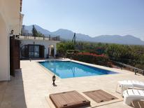 Maison de vacances 2175658 pour 13 personnes , Gönyeli