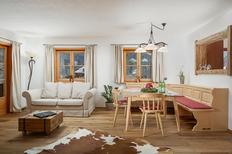 Ferienwohnung 2179318 für 4 Personen in Kitzbühel