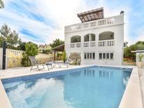 Appartement 219710 voor 6 personen in Zadar