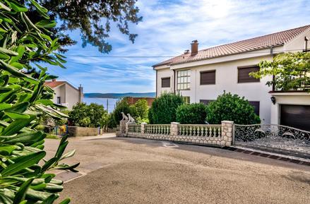 Für 14 Personen: Hübsches Apartment / Ferienwohnung in der Region Kvarner Bucht