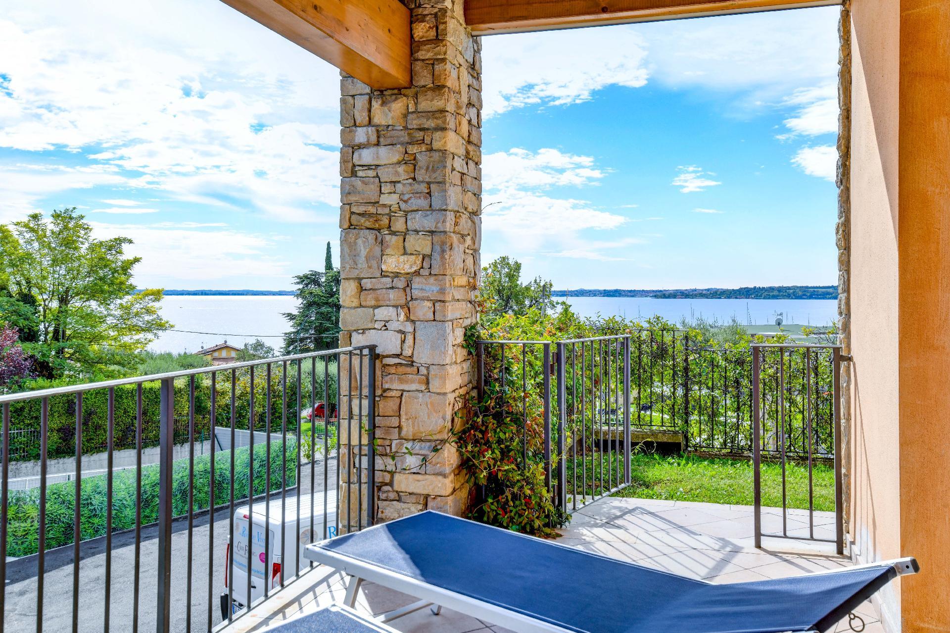 Ferienwohnung für 6 Personen ca. 90 m² i   Gardasee - Lago di Garda
