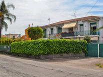 Mieszkanie wakacyjne 244387 dla 4 osoby w Mascali