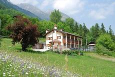 Semesterlägenhet 257989 för 6 personer i San Gregorio nelle Alpi
