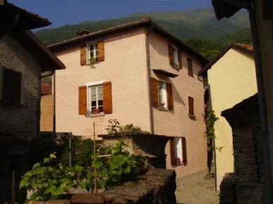 Gemütliches Ferienhaus : Region Comer See für 6 Personen