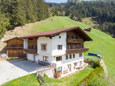 Gemütliches Ferienhaus : Region Mayrhofen für 21 Personen