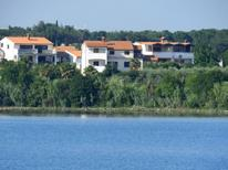 Holiday apartment 375892 for 5 persons in Pomer