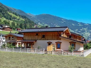 Gemütliches Ferienhaus : Region Mayrhofen für 10 Personen