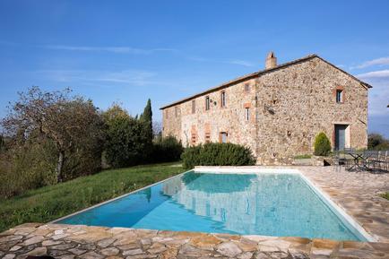 Gemütliches Ferienhaus : Region Castellina Scalo für 8 Personen