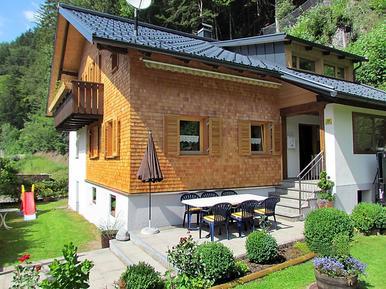 Gemütliches Ferienhaus : Region Montafon für 10 Personen