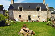 Holiday home 401788 for 5 adults + 1 child in Plouhinec by Quimper