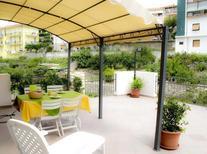 Appartement 402397 voor 5 personen in San Lorenzo al Mare