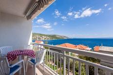 Appartement 402722 voor 5 personen in Okrug Gornji