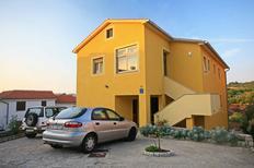 Appartement 407798 voor 5 personen in Krk