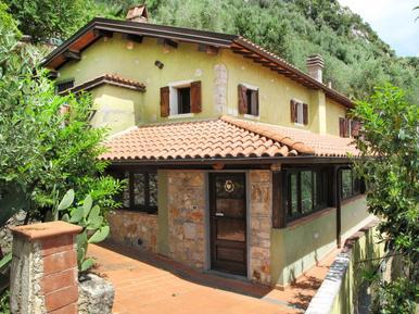 Gemütliches Ferienhaus : Region Greppolungo für 10 Personen