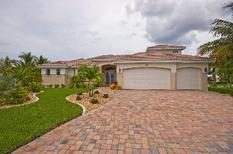 Holiday home 416860 for 8 persons in Cape Coral