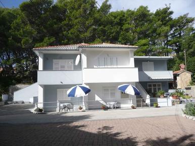 Für 5 Personen: Hübsches Apartment / Ferienwohnung in der Region Rab